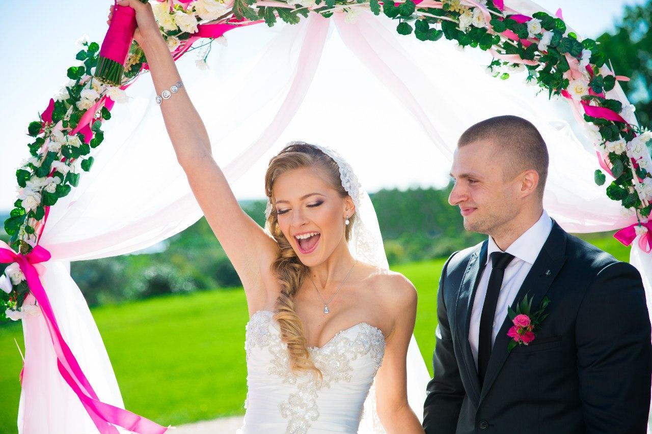 """счастливая невеста сказала """"да"""""""