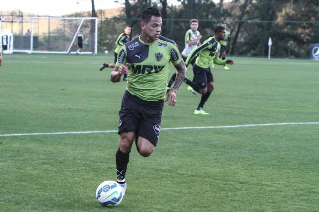 Giovanni Augusto pode retornar contra o Figueirense (Foto: Bruno Cantini/Atlético MG)