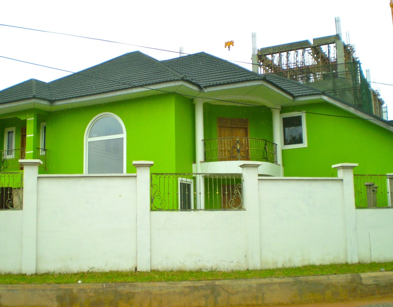 Ghana with the wind if you aren 39 t in over your head for Cost to have a house painted