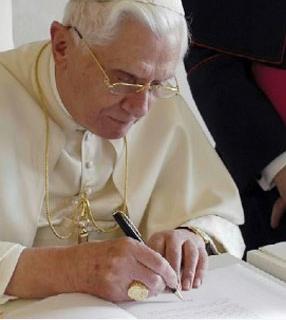 Bento XVI escreve carta a matemático sobre questões da fé