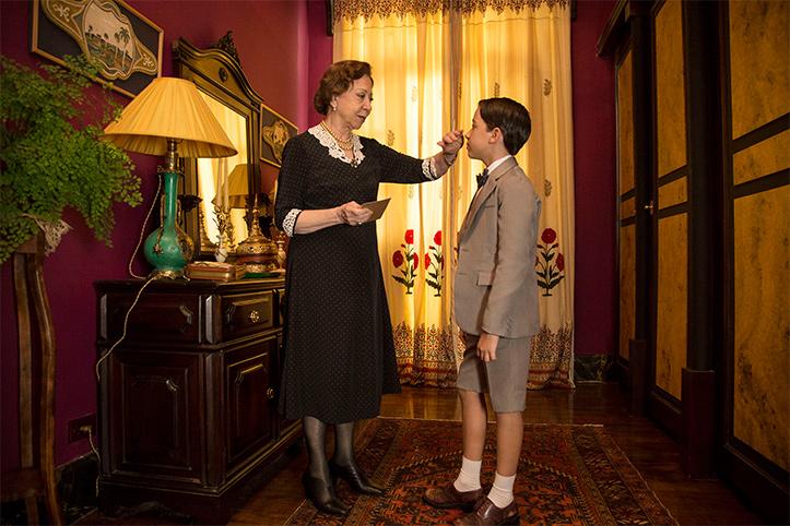 Cena do filme infância de Domingos Oliveira onde a personagem de fernanda montenegro apronta seu filho
