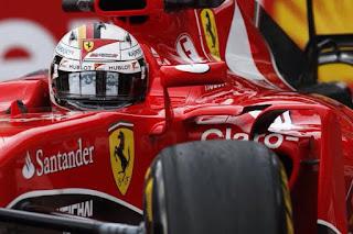 F1 GP Singapur 2015 - Vettel sorprende a los mercedes y se lleva la pole
