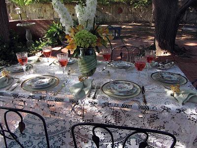 http://2.bp.blogspot.com/-5vEZP7VHv1o/T9_XkTISBdI/AAAAAAAAIqk/mzaM-X1TWDI/s1600/Schumann+Ladies+Luncheon005.jpg