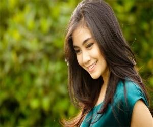 Anisa Rahma (Anisa Chibi) Senyum Menggoda With Photoshoot