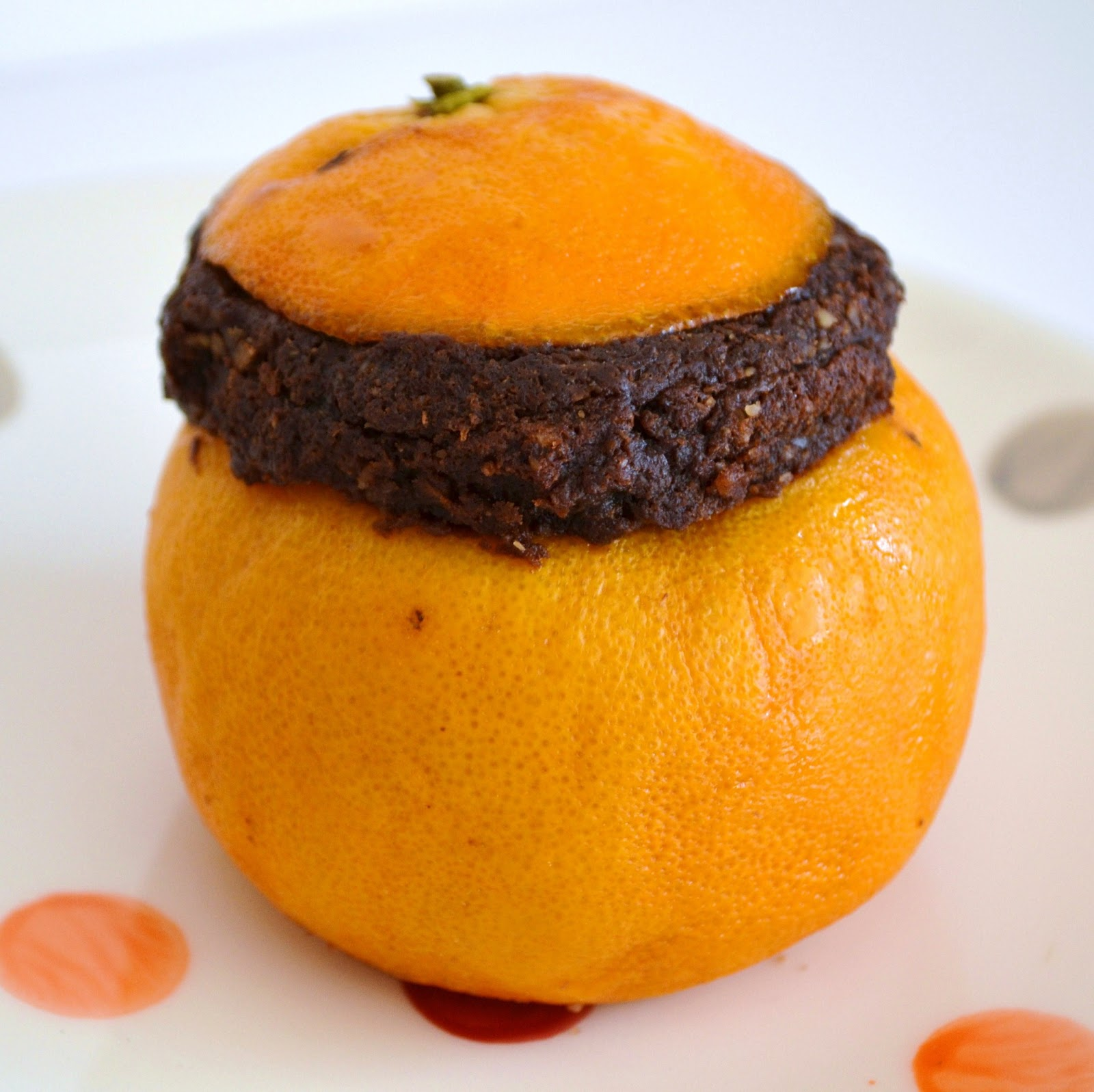 priv 233 de dessert moelleux chocolat noisettes en coque d orange