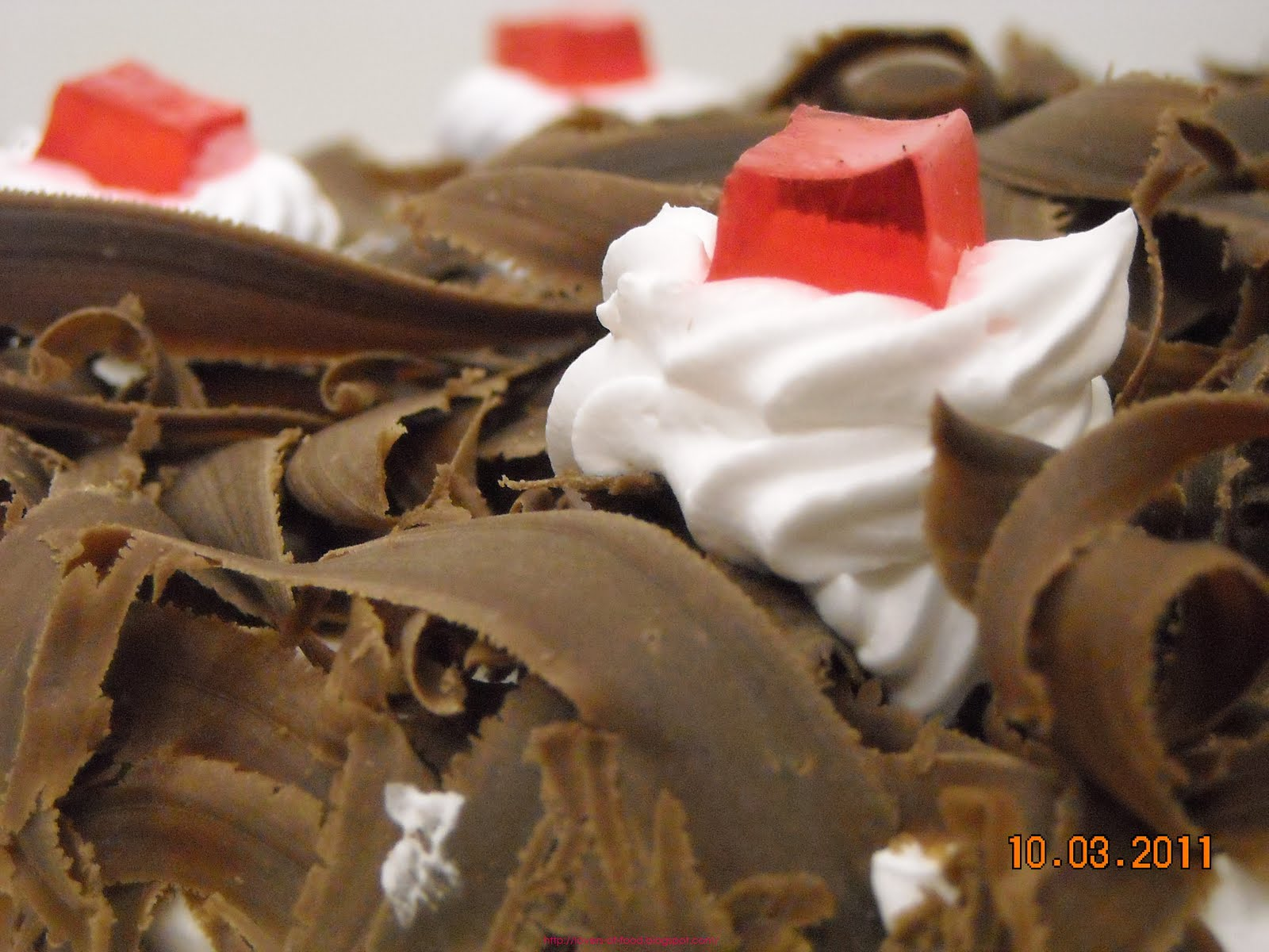 Food from all over the World: Shredded chocolate topped simple ...
