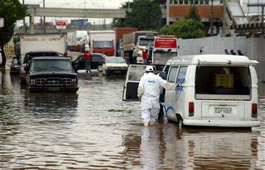 Brasil: Sobe para três número de mortes por causa das chuvas no estado de Santa Catarina