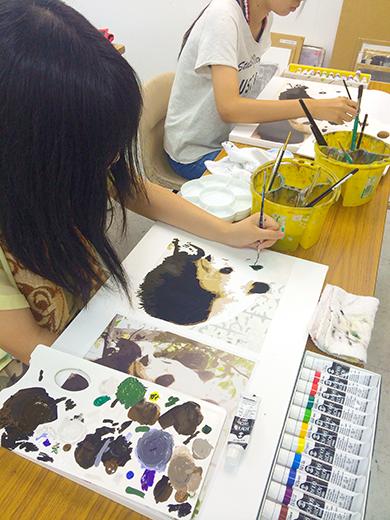 横浜美術学院の中学生教室 美術クラブ 写真から学ぶ!「アクリルガッシュで色面分割」8
