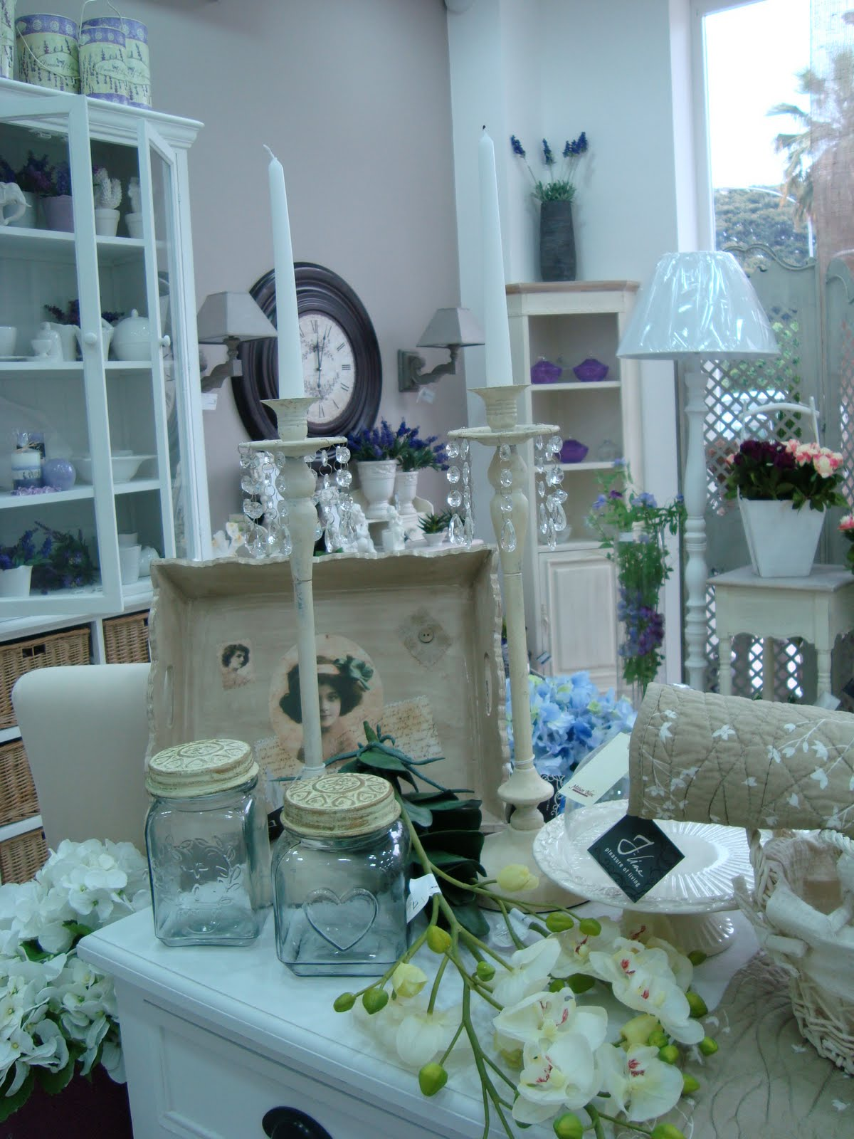 shabby chic store in palermo maison blanc. Black Bedroom Furniture Sets. Home Design Ideas