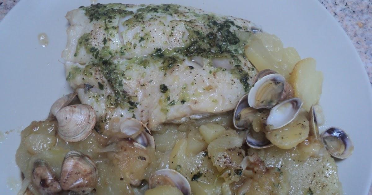 Cocinar para los mios merluza al horno con patatas y almejas for Merluza al horno facil