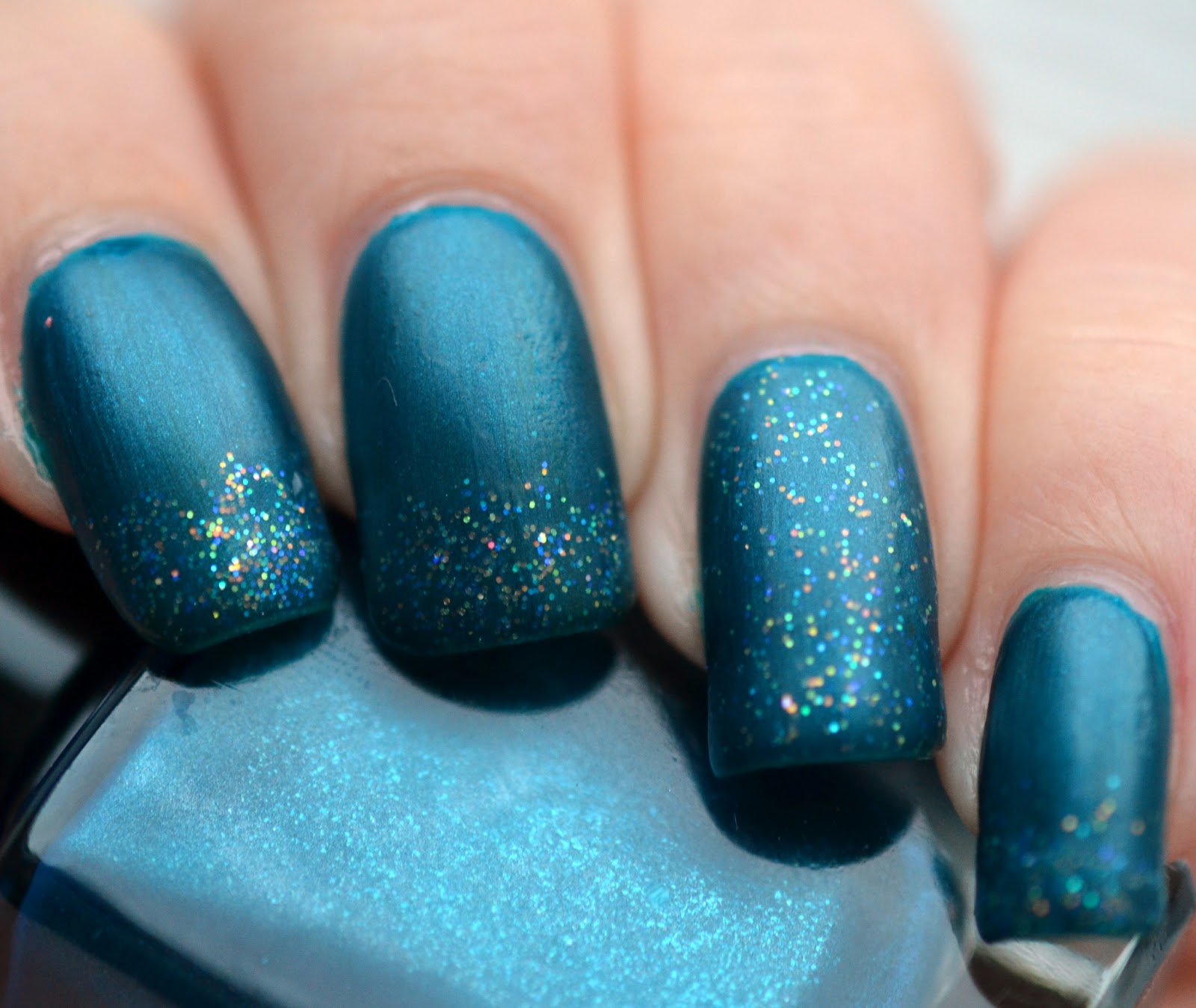 http://lenas-sofa.blogspot.de/2015/01/gina-tricot-76-brilliant-blue.html