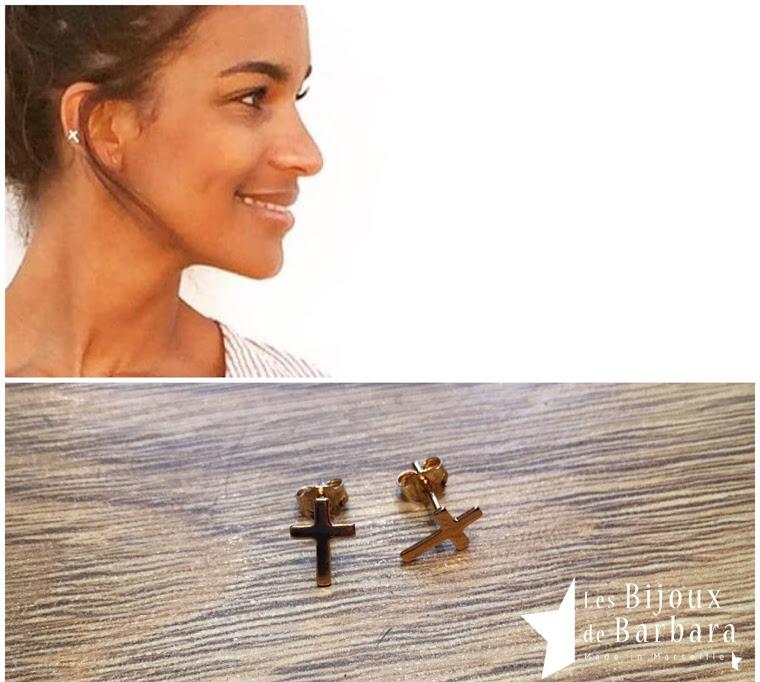 Boucles d'oreilles croix plaqué or