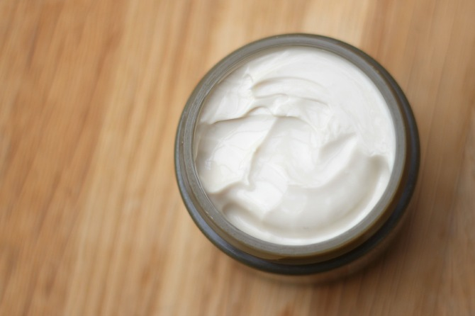 Origins Plantscription moisturiser - thick, creamy consistency