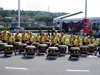 Opening gambit by a local percussion group