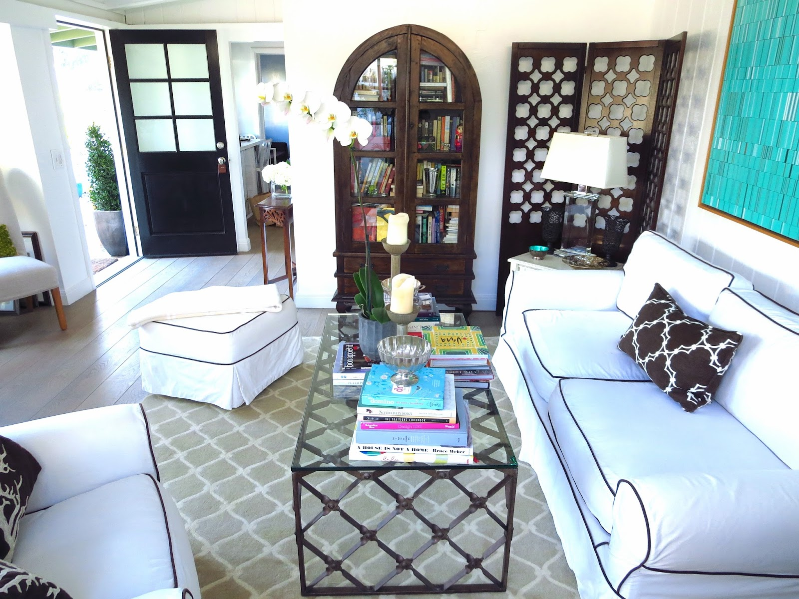 My cottage living room with new cococozy rug nbaynadamas for Black front room furniture