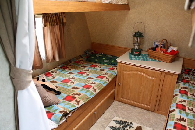 trailer bunk room