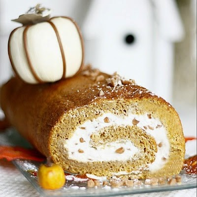 The World's Best Pumpkin Roll Recipe