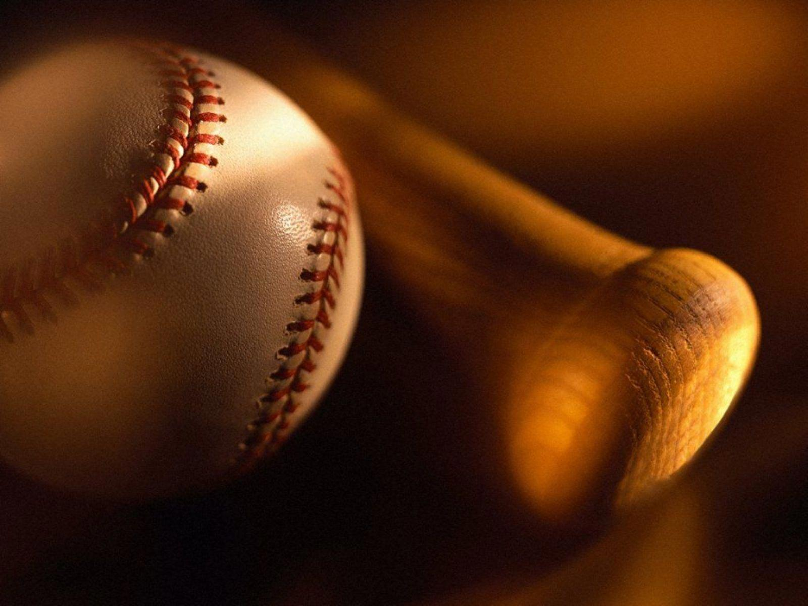 http://2.bp.blogspot.com/-5xbS9AbmpxA/Tz4yH7vUzCI/AAAAAAAABE0/w9lpi8SPBPo/s1600/The-best-top-desktop-baseball-wallpapers-4-baseball-ball-and-bat.jpeg