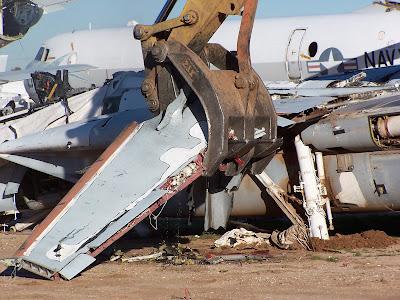 aeronaves - Davis-Monthan AFB - o maior cemitério de aeronaves do mundo  AMARC+f14+end