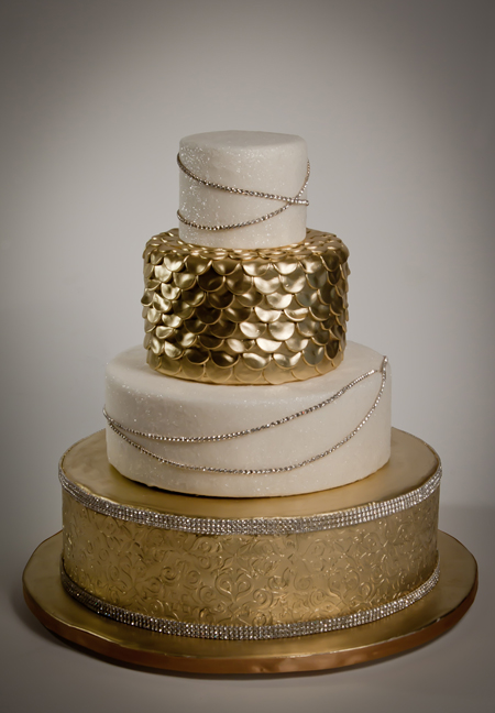 Cake Decorating Ideas For Golden Wedding : Wedding Cakes Pictures: Gold Theme Wedding Cakes