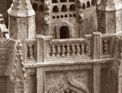 Quinto juego de ajedrez, catedral de León, torre negra