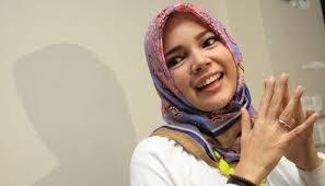 Gambar Dewi Sandra