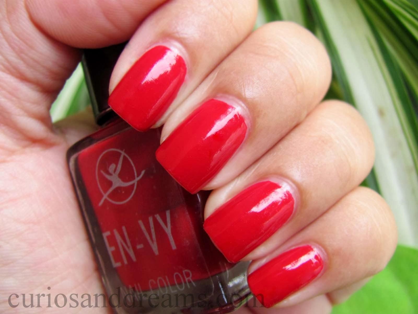 EN-VY Nail Color Ooh La La Red review, red nailpolish review