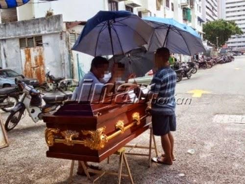 Muallaf dikebumikan cara Islam