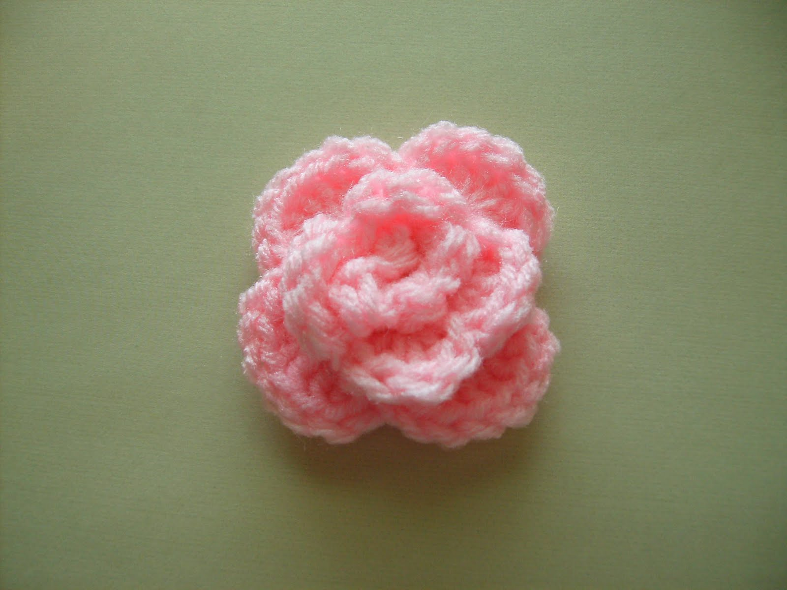 Crochet Stitches Rose : Scrap Yarn Crochet: Free Rose Crochet Pattern