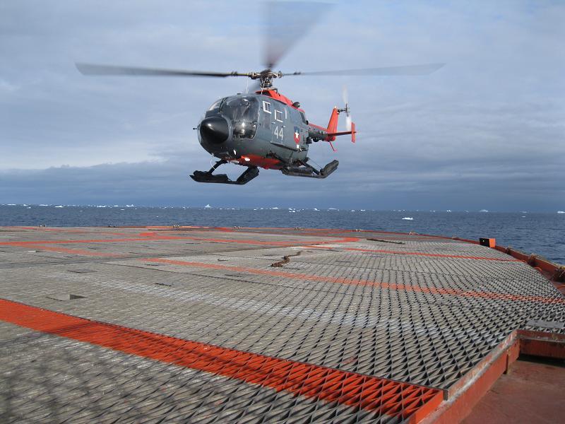 EL RELATO DEL RELATO: Discurso de Puricelli en el Acto por el Día de la Armada 17/05/2013 IMG_1257