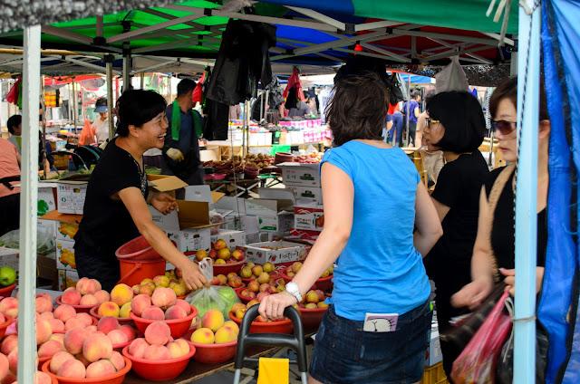 Buying fruit in Pohang