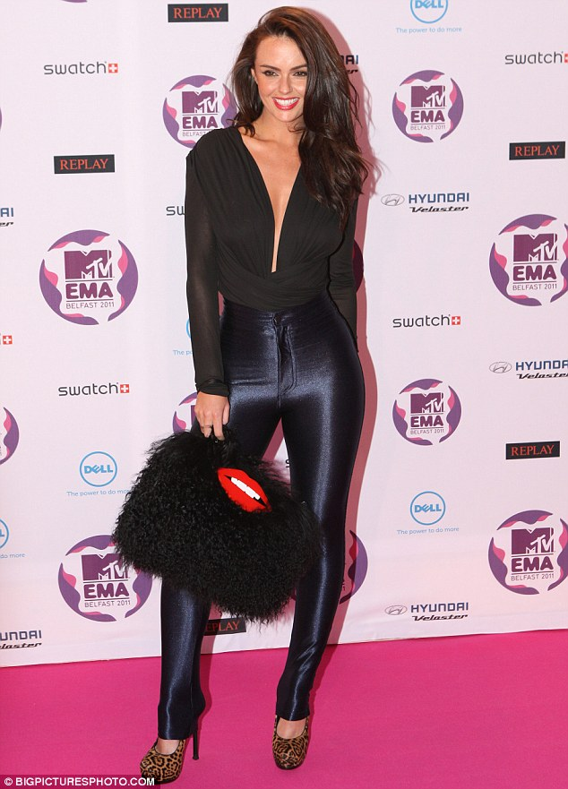 Can you breathe in that? Hollyoaks actress Jennifer Metcalfe arrives ...