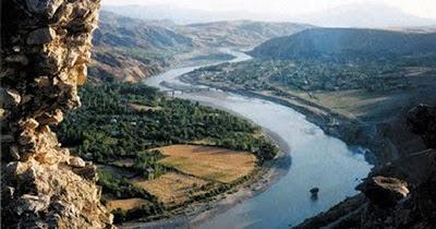 http://2.bp.blogspot.com/-5za5YHK1LL4/UW7ORpmtDzI/AAAAAAAAVRw/rfWNixr1lxE/w1200-h630-p-nu/MISTERI+Sungai+Eufrat+dan+Gunung+Emas+Membawa+Kepada+Hari+Kiamat+TAOTAUAJER.jpg