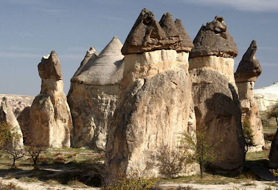 Unik, Di Turki Ada Batu Bebatuan Yang Berbentuk Menara Kastil [ www.Up2Det.com ]
