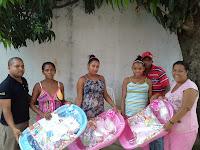 http://vicentenoblehoy.blogspot.com.es/2014/08/ninin-entrega-canasta-mujeres.html