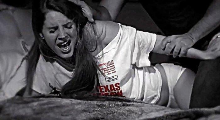 Φόβος και τρόμος ο βιαστής «δράκος» που χτυπάει σε υπόγειες διαβάσεις της περιοχής.Τρια χτυπήματα σε 10 ημέρες