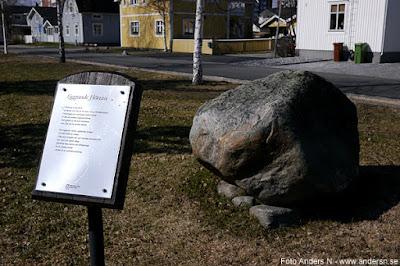 Liggande höna Sten