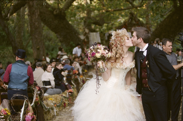 Bailey s brides what is a steampunk wedding for Where can i get my wedding dress steamed