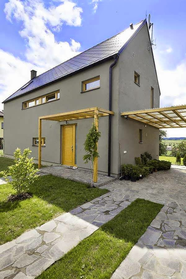 Czech rustic house style with a simple form suited to its for Minimalist rustic house