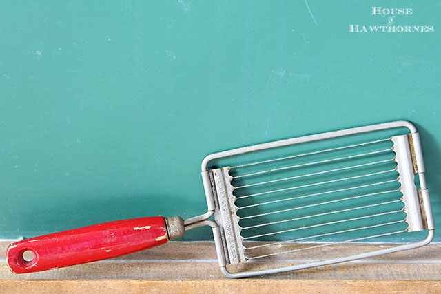 Vintage Ekko tomato slicer along with other vintage yard sale finds at houseofhawthornes.com
