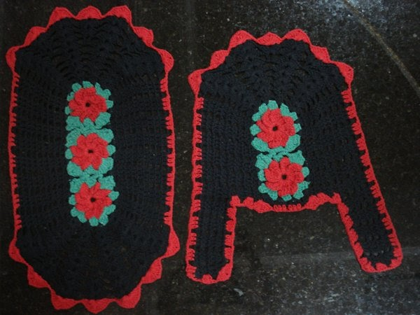 Jogo De Banheiro De Gato Croche : Tapetes croch? jogo de banheiro barbante preto e vermelho