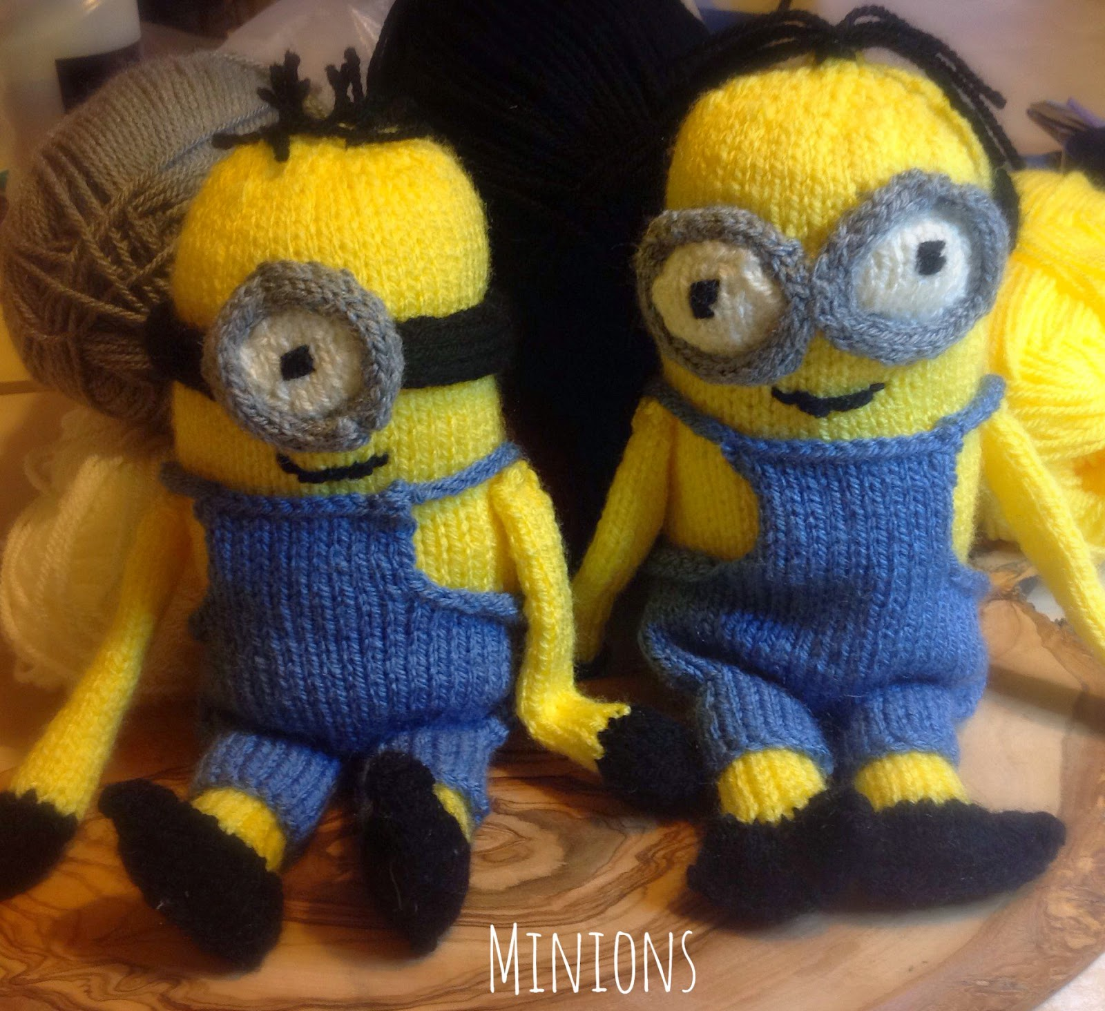Knitting Pattern Minion Toy : HookLineAndStitches: Knitted Minions