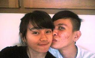 Foto Mesra Dara The Virgin bersama Mantan Kekasih - Ciuman