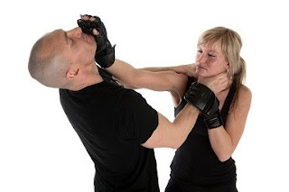 academia defensa personal femenina