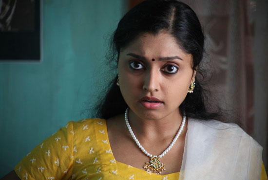ela cheppanu (kozhi-koovuthu) movie heroine sreeja roj photos2