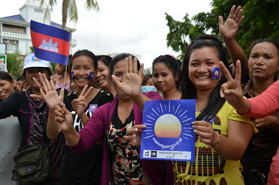 CNRP supporters on motos, Sam Rainsy return