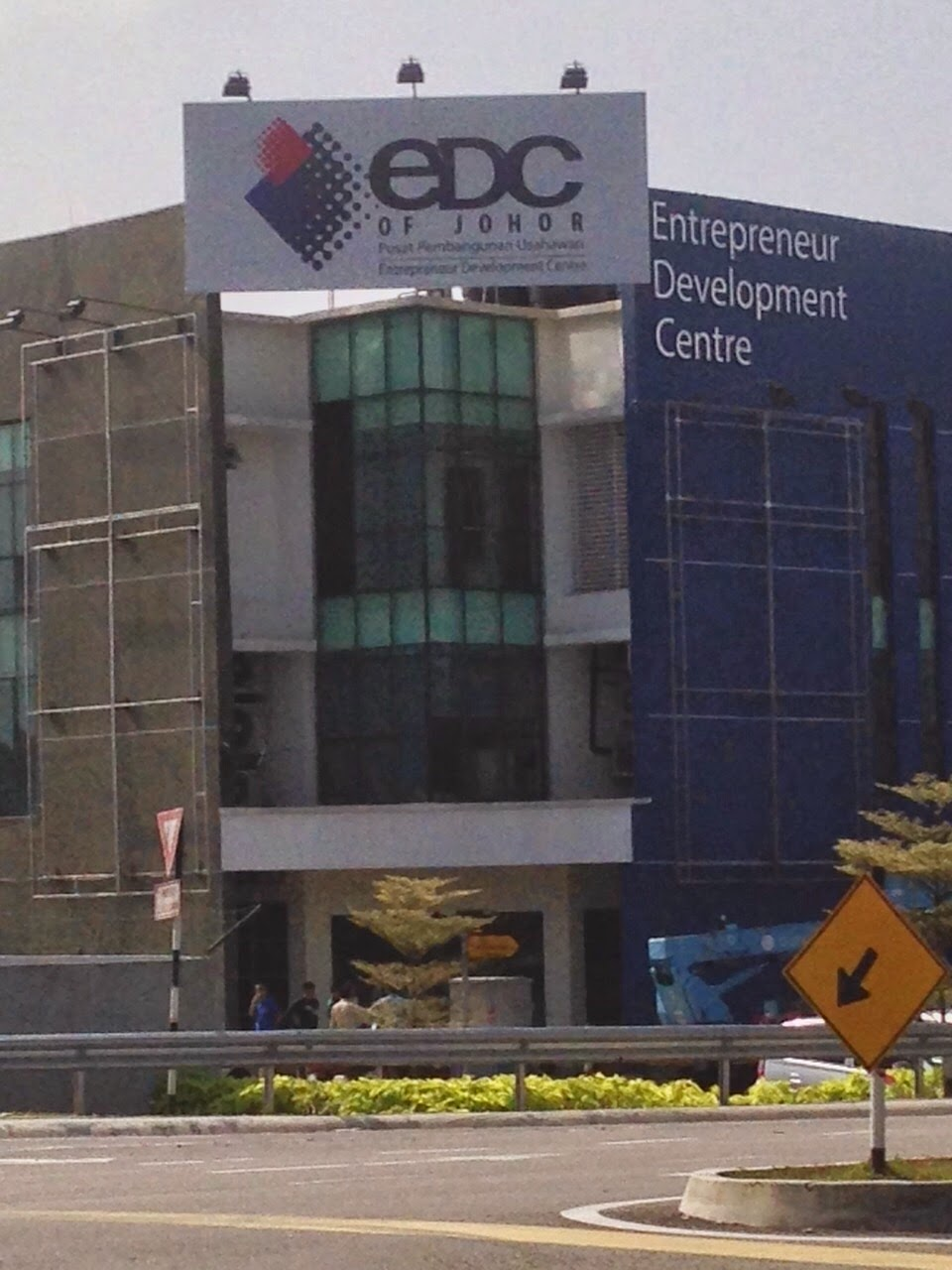 ENTERPRENEUR DEVELOPMENT CENTRE