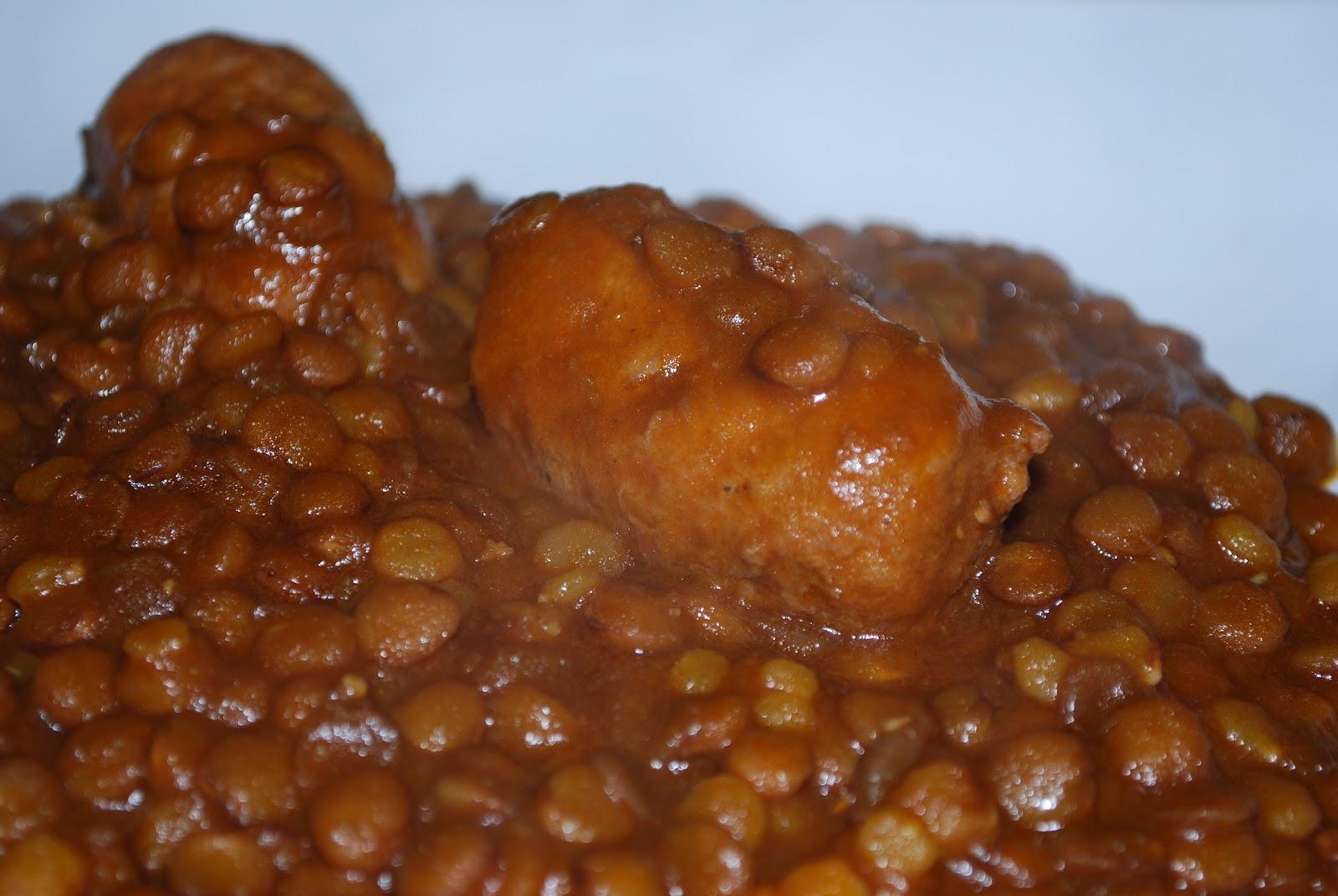 Lady cluck 39 s kitchen lenticchie e salsiccette in pentola for Lenticchie d acqua
