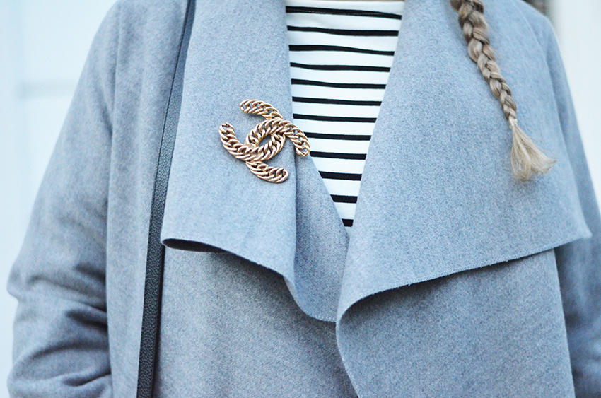 tresse inversée, trench gris, vans à frange, blog mode, blogueuse mode