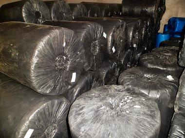 Lona preta 4x100x43kg reforçada